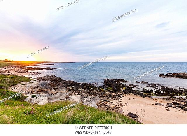 Scotland, Fife, Kingsbarns, beach at sunset
