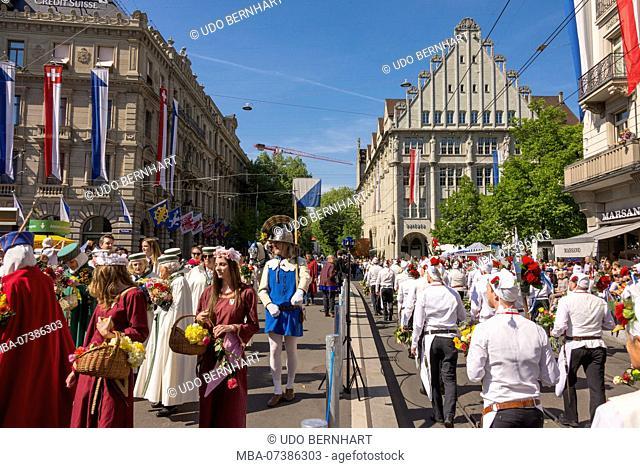 Guild members on the parade of guilds, Spring Festival 'Sechseläuten', old town, Zurich, Canton of Zurich, Switzerland
