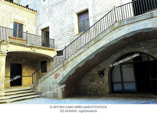 A courtyard of an Old Palace, the Picasso Museum. Barrio Gótico, Old Downtown. Barcelona, Spain