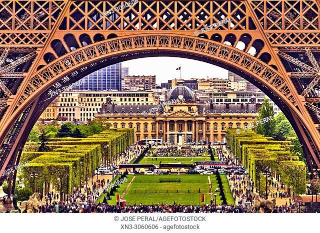 Eiffel Tower, Tour Eiffel, Field of Mars, Champ de Mars, on background Central École Militaire building, Paris, France, Europe