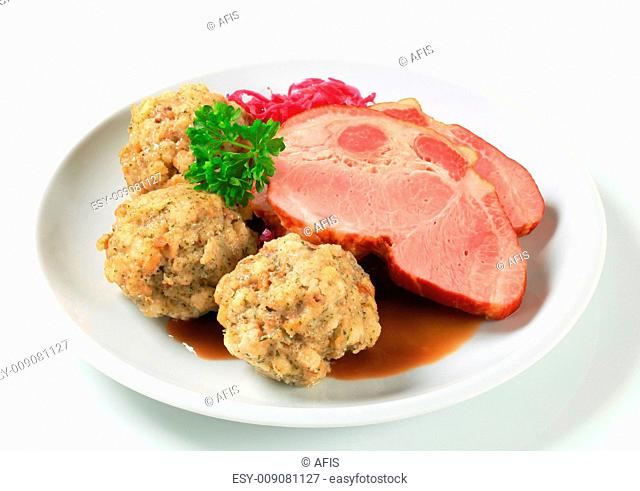Smoked pork with Tyrolean dumplings and red kraut