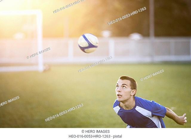 Soccer player anticipating front header
