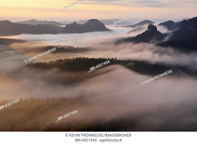 View from Kleiner Winterberg to Hinteres Raubschloss or Winterstein and Lorenzsteine, Elbe Sandstone Mountains, Saxon Switzerland, Saxony, Germany