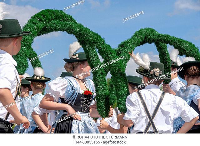 Bayern, Oberbayern, Brauch, Brauchtum, Teisendorf, Berchtesgadene Land, Bräuche, Braeuche, Mai, Maibaum, Baum, aufstellen, Maibaum aufstellen, Fruchtbarkeit