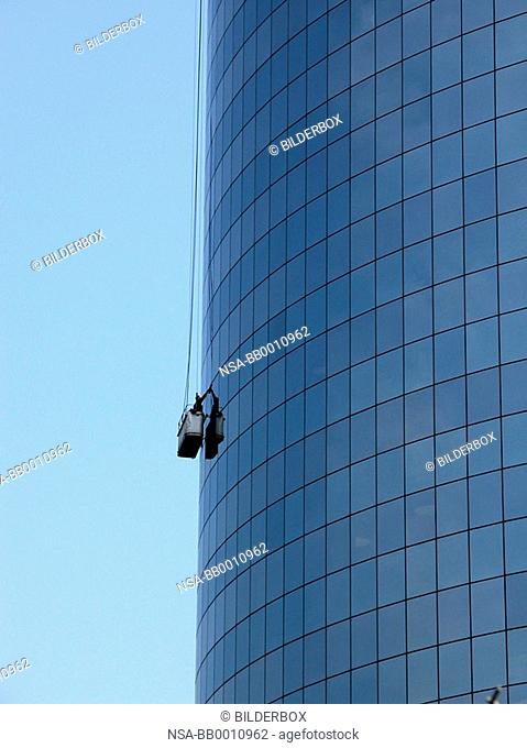 Window cleaner on a sky scraper