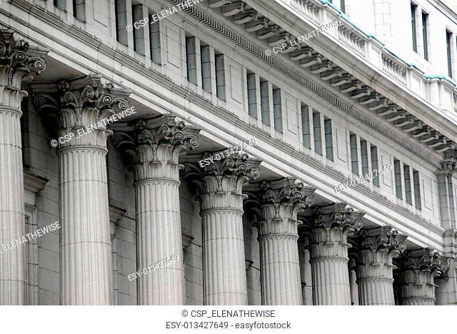 Building with columns