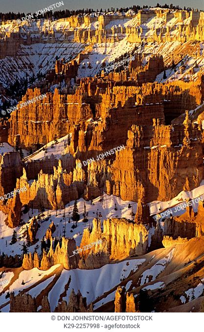 Sandstone hoodoos with spring snow, Bryce Canyon National Park, Utah, USA