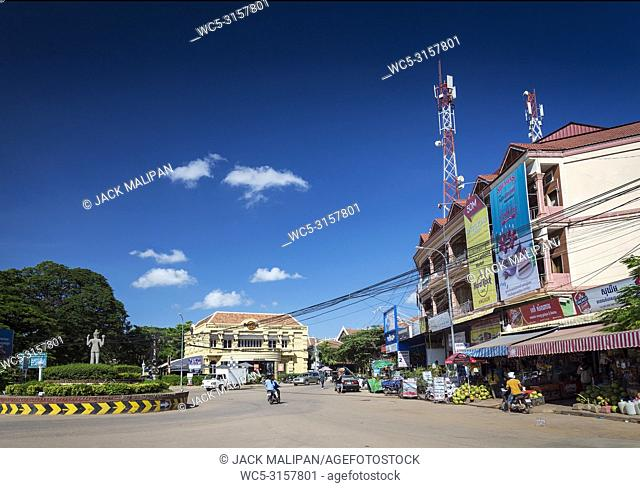 wat damnak roundabout in central siem reap city near angkor wat cambodia