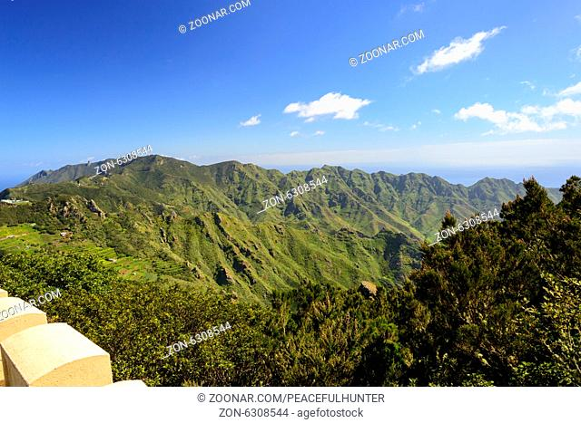 Very seldom the Anaga mountains in the northeast of Tenerife island can be seen so clearly. The area is famous for some seldom plants and birds and therefore an...