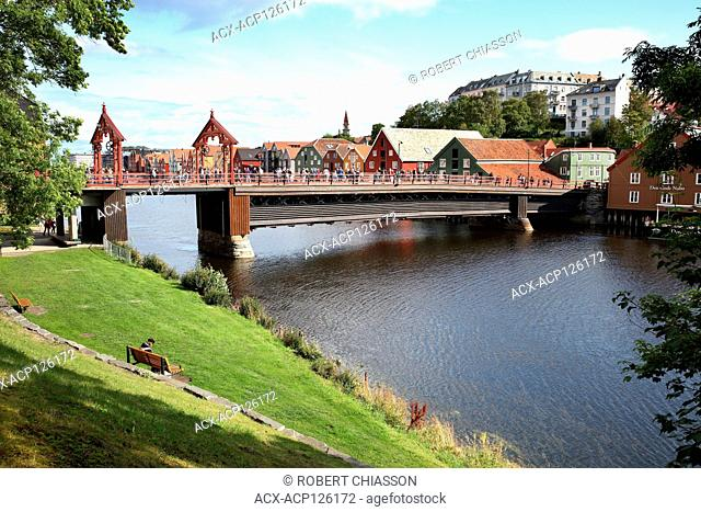 Old Town Bridge (Gamle Bybro) over the Nidelva River in the Bakklandet neighbourhood of Tronheim, Norway
