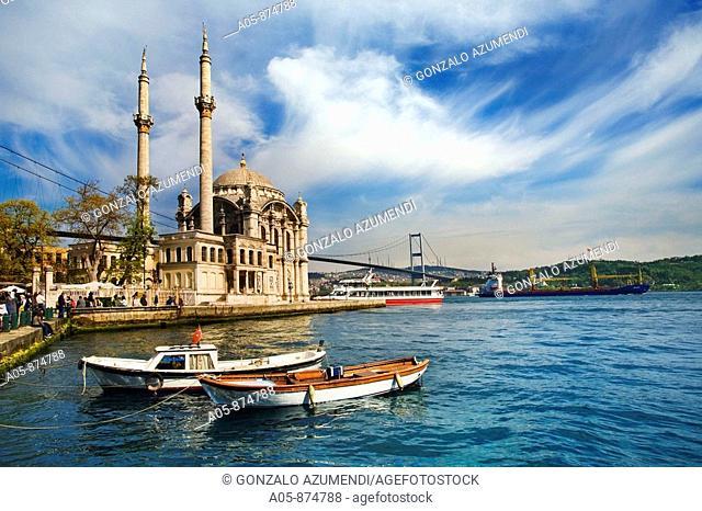 Mecidiye Camii mosque (1854) in Ortakoy neighbourhood, Istanbul, Turkey