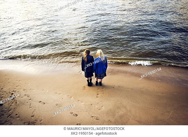 Two english schoolgirls in the sea, Best friends forever