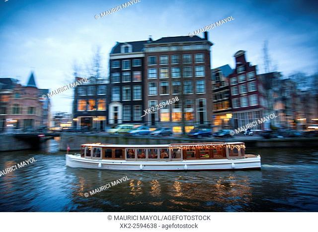 Romantic Boat tour between de 9 straatjes and graachtengordel Canals, Amsterdam