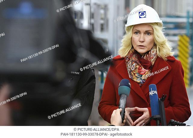 30 November 2018, Mecklenburg-Western Pomerania, Wolgast: Minister President Manuela Schwesig (SPD) visits the Peene shipyard belonging to the Lürssen Group