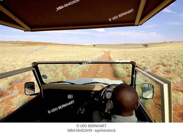 Africa, Namibia, NamibRand Nature Reserve, Wolwedane safari, driver