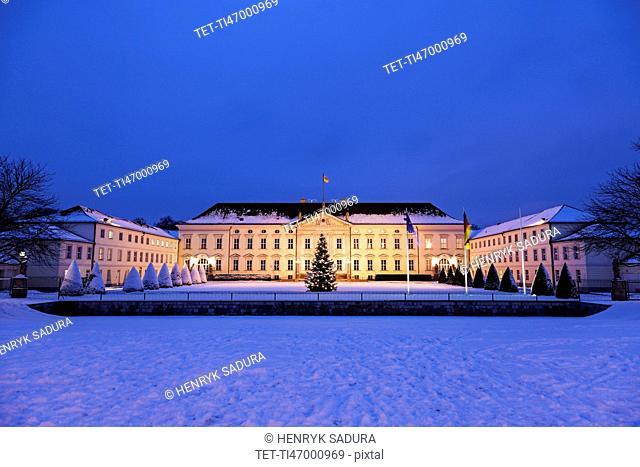 Bellevue Palace at winter night