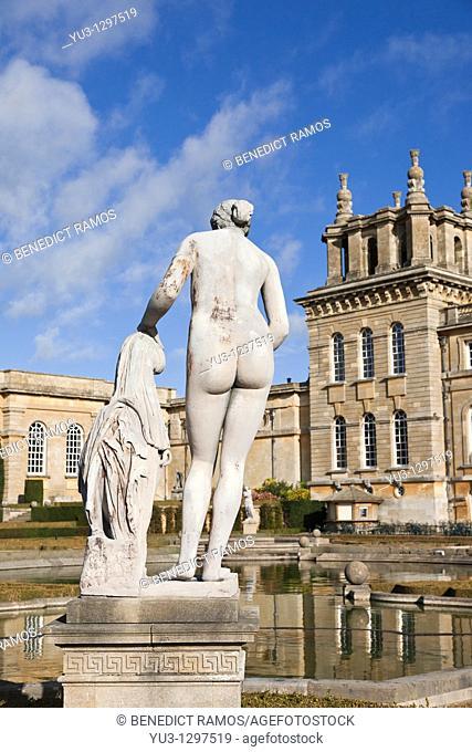 Classical statue, Blenheim Palace, Woodstock, Oxfordshire, England, UK