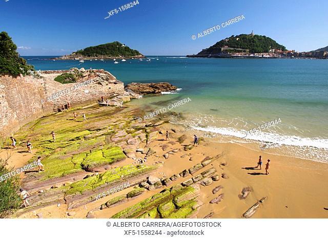 La Concha Beach, Santa Clara Island, Urgull Mount, San Sebastián, Donostia, Guipuzcoa, Basque Country, Spain