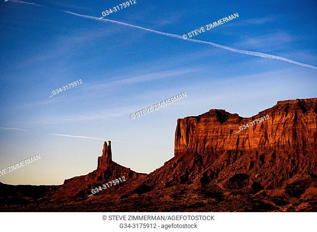 Solitary Monument. Monument Valley National Park, Arizona, USA