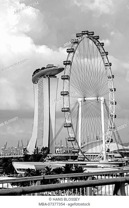 Ferris Wheel Singapore Flyer, Futuristic Marina Bay Sands Hotel, Architect Moshe Safdie, Marina Bay, Downtown Core, Singapore, Asia, Singapore