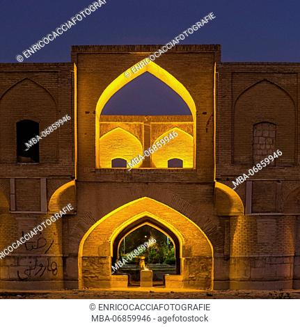 Si o Se pole, bridge of thirty-three (spans) with illumination in Isfahan at the blue hour