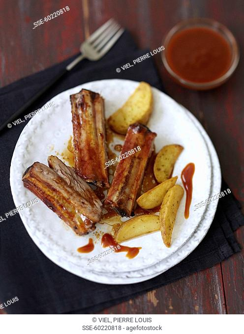 Pork spare ribs with ketchup barbecue sauce
