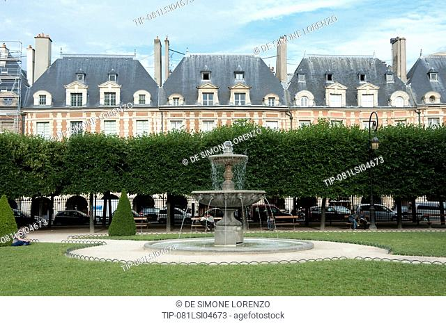 Europe, France, Paris, Place des Vosges
