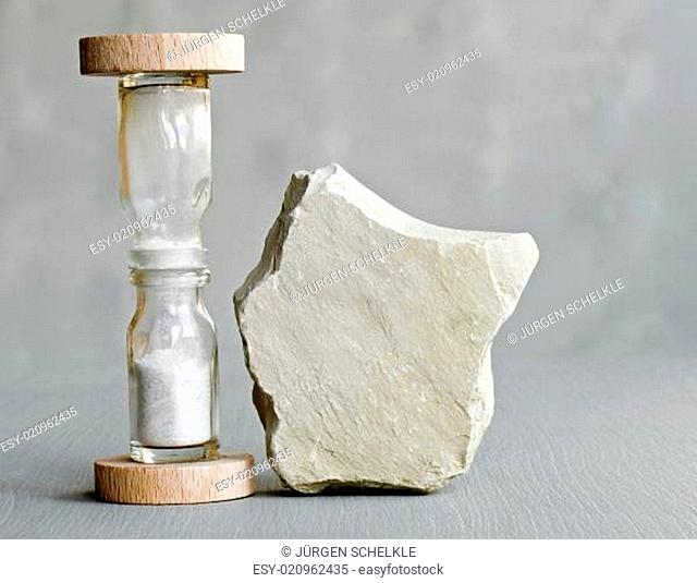 sanduhr und stein