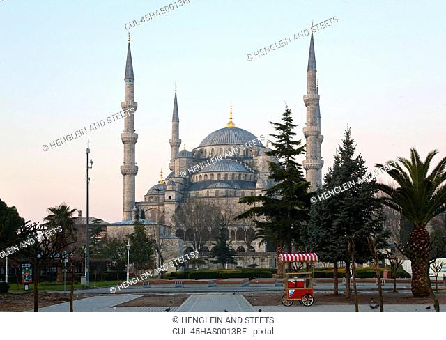 Blue Mosque at dawn, Istanbul, Turkey