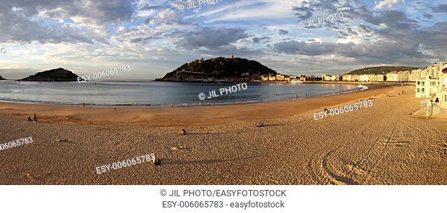 Panoramic view of the beach of La Concha