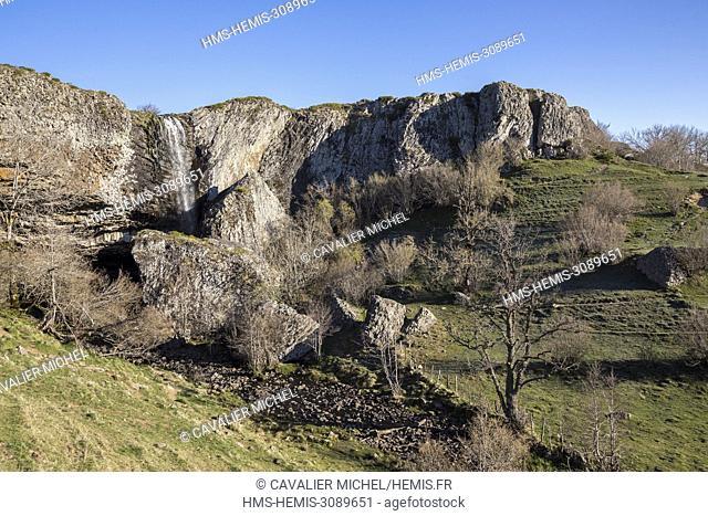France, Lozere, tray of Aubrac, waterfall of Deroc