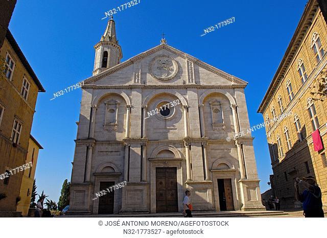 Santa Maria Assunta Cathedral, Piazza Pio II, Pienza, Siena province, Val d'Orcia, UNESCO world heritage site, Tuscany, Italy