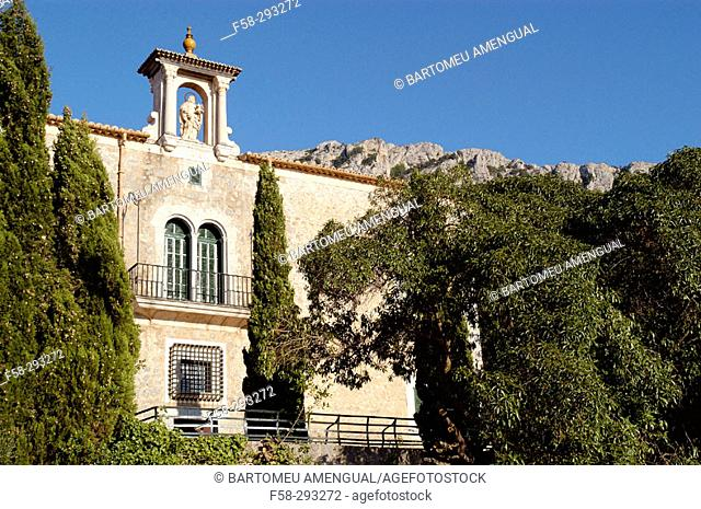 Son Gallard, between Valldemossa and Deia. Serra de Tramuntana. Majorca. Balearic Islands. Spain