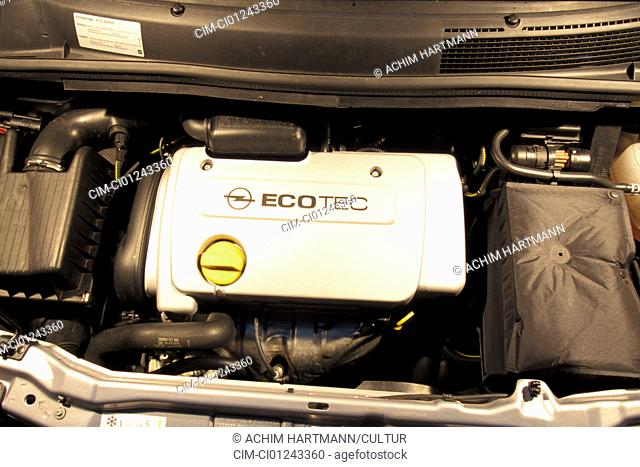 Car, Opel Zafira CNG, model year 2000, Limousine, silver, Natural gas approx., Natural gas car, Natural gas, Impulse, view in engine compartment
