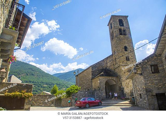 Romanesque church. Oto, Huesca province, Aragon, Spain