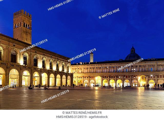 Italy, Emilia Romagna, Bologna, historical center, Piazza Maggiore, Palazzo del Podesta (Podesta palace)