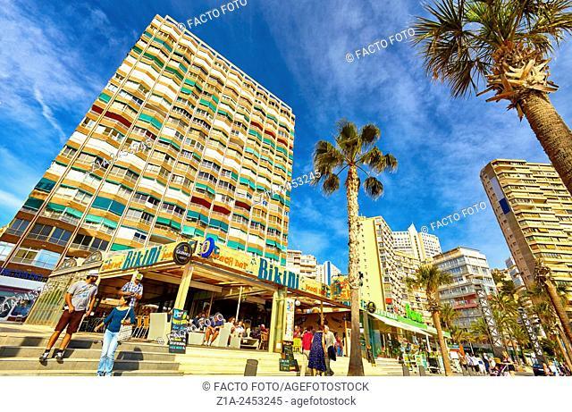 Street life at the seafront. Benidorm. Alicante. Valencia Community. Spain