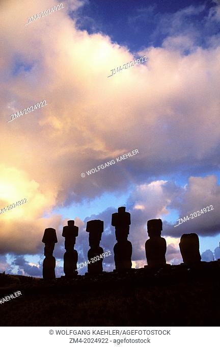 EASTER ISLAND,AHU NAUNAU, MOAIS BEFORE SUNRISE AT ANAKENA BEACH