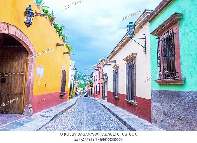 Street view in San Miguel de Allende , Mexicok. The historic city San Miguel de Allende is UNESCO World Heritage Site since 2008