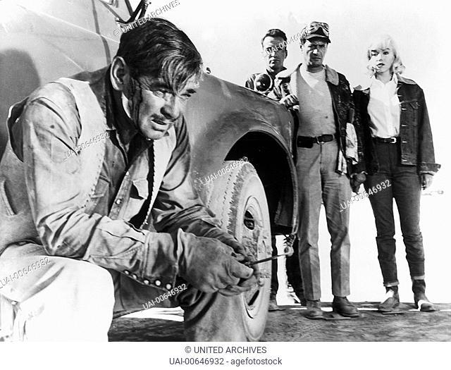 MISFITS - NICHT GESELLSCHAFTSFÄHIG / The Misfits USA 1961 / John Huston Szene mit CLARK GABLE (Gay Langland), MONTGOMERY CLIFT (Perce Howland)