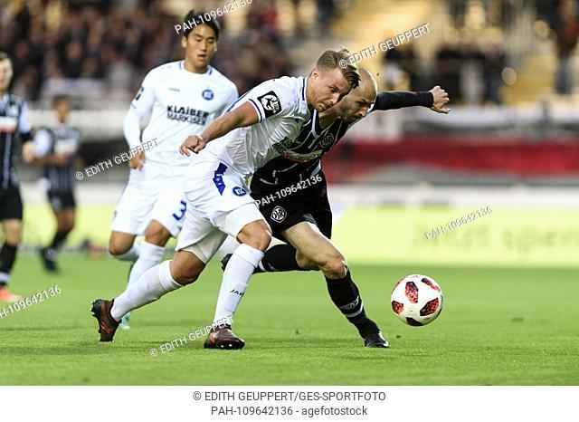 duels, duel between Marco Thiede (KSC) and Matthias Morys (VfR Aalen) .. GES / Football / 3. Liga: VfR Aalen - Karlsruher SC, 26.09