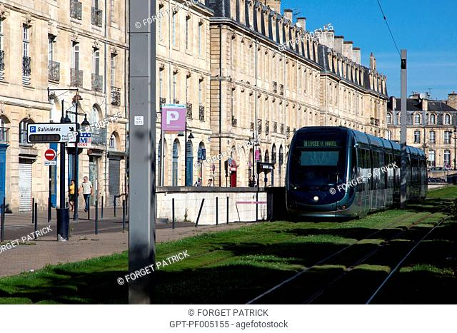 TRAMWAY AND APARTMENT BUILDING, SAINTE-CROIX QUAY, CITY OF BORDEAUX, GIRONDE (33), FRANCE