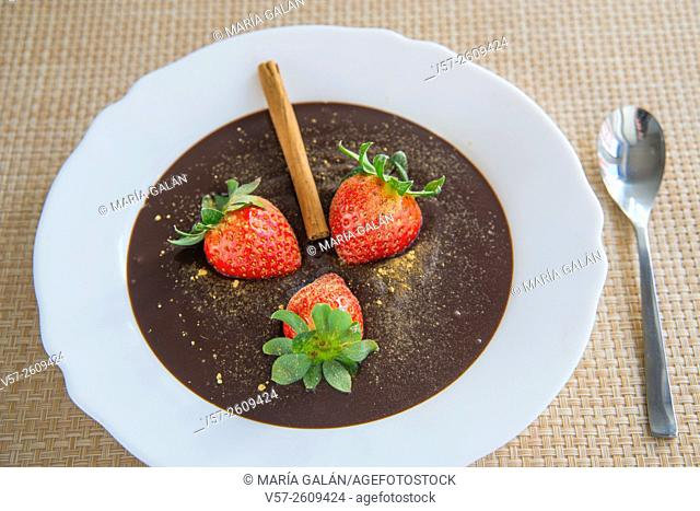 Strawberries with chocolate cream and cinnamon