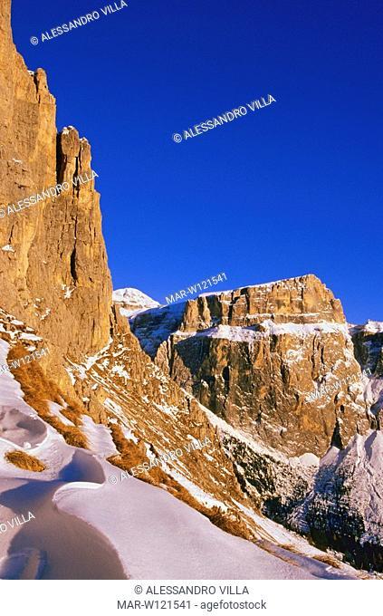 europe, italy, alps, dolomites, val di fassa, sella group, sasso pordoi