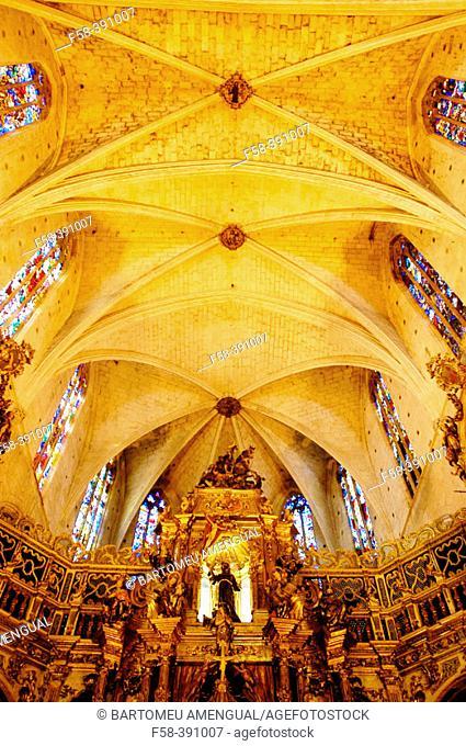 Main chapel of Sant Francesc gothic church. Palma de Mallorca. Majorca. Balearic Islands. Spain