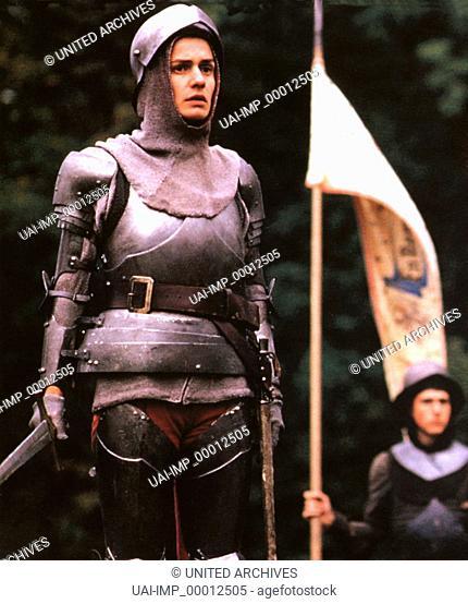 Johanna, die Jungfrau - Der Verrat, (JEANNE LA PUCELLE: LES PRISONS) F-CH 1993, Regie: Jacques Rivette, SANDRINE BONNAIRE, Stichwort: Rüstung