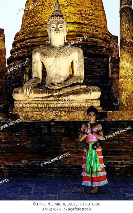 Thailand, Sukhothai, Sukhothai Historical Park, Wat Sa Sri, traditional dancer