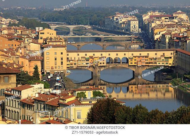 Italy, Tuscany, Florence, Arno River, Ponte Vecchio, Old Bridge