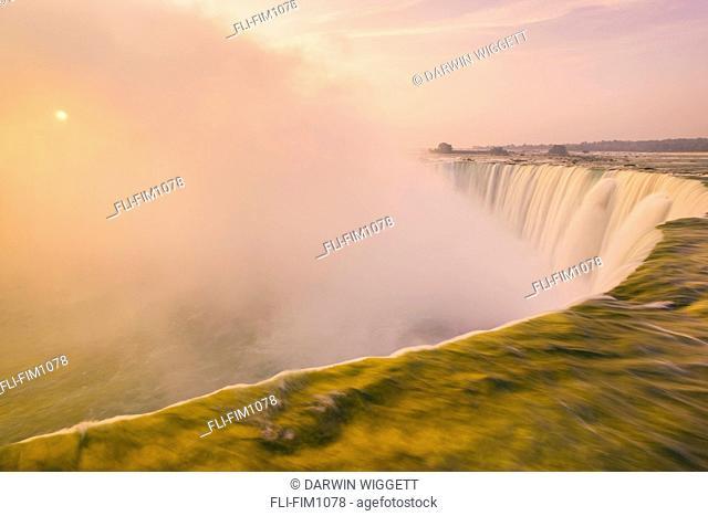 Horseshoe Falls from Table Rock Viewpoint, Niagara Falls, Ontario, Canada
