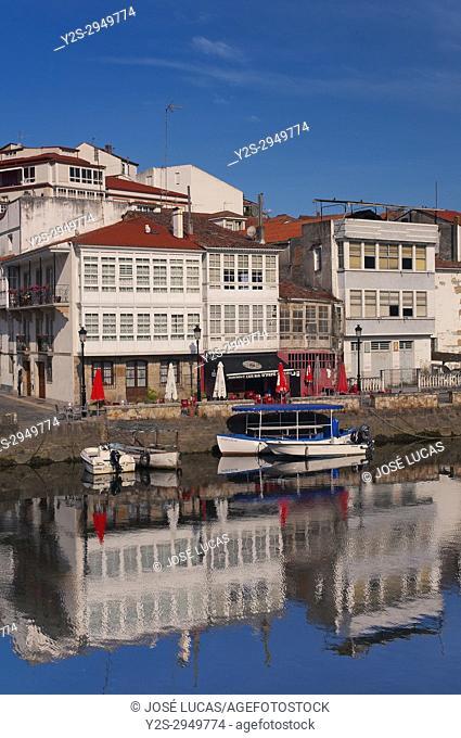 Streetscape with river Mandeo, Betanzos, La Coruna province, Region of Galicia, Spain, Europe